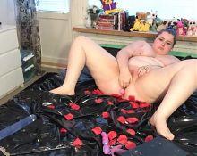 Chubby girl masturbates at home again
