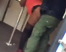 sex dans le metro