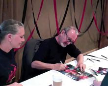Freddy Krueger - Robert Englund signs Cocks & Boobs