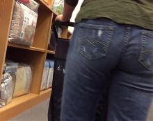 Tight jeans milf 2!!