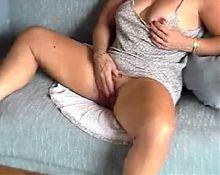 American Milf Giant Clit Masturbation